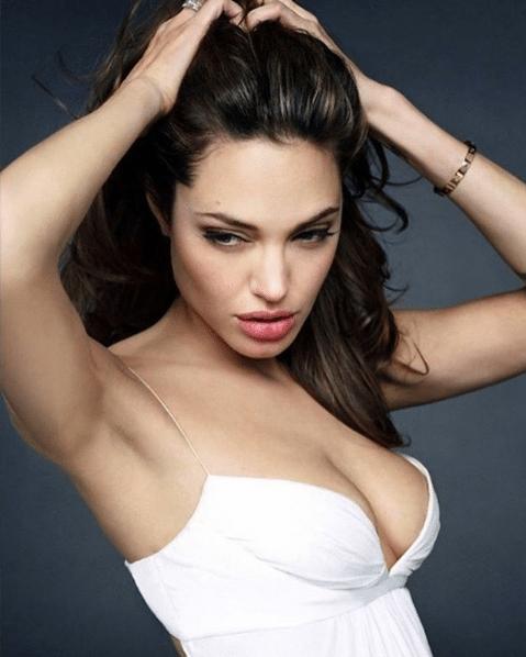 Angelina-Jolie-Hot-2