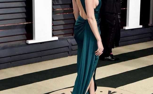 Brie-Larsons-backless-dress