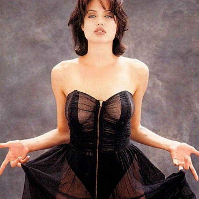angelina-jolie-sexy-dress